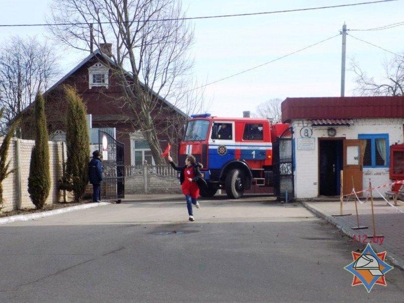 Пожар в психиатрической больнице Полоцка оказался учениями МЧС. ФОТО, фото-1