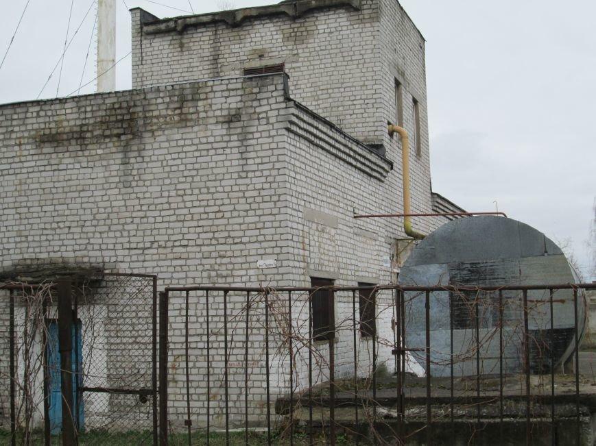 Небезпека поряд: У житловому кварталі Новограда-Волинського виявили снаряд (ФОТО, ВІДЕО), фото-2
