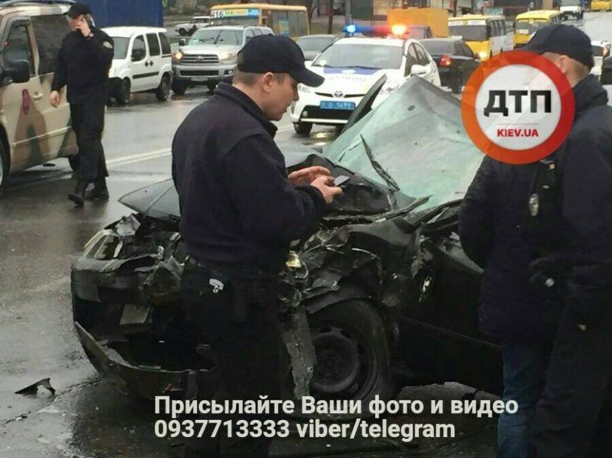 Лобовое столкновение: на Троещине авто влетело в маршрутку (ФОТО), фото-4
