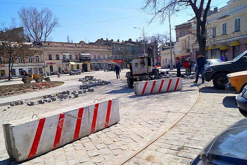 Одесситы превратили отремонтированную площадь в парковку (ВИДЕО, ФОТО), фото-6