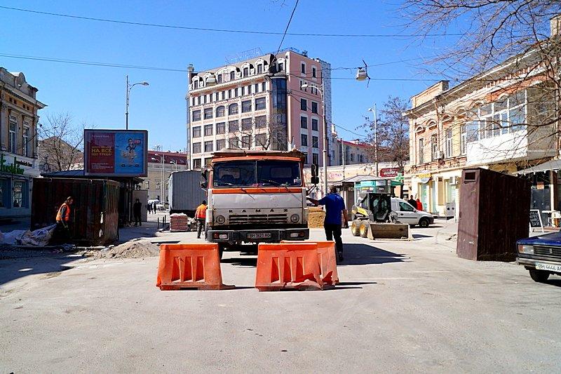Одесситы превратили отремонтированную площадь в парковку (ВИДЕО, ФОТО), фото-15