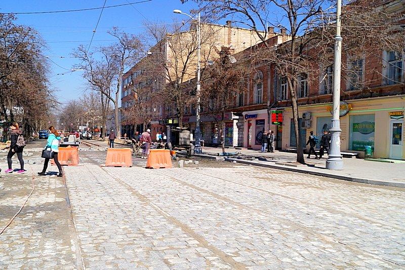 Одесситы превратили отремонтированную площадь в парковку (ВИДЕО, ФОТО), фото-11