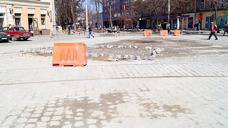 Одесситы превратили отремонтированную площадь в парковку (ВИДЕО, ФОТО), фото-10