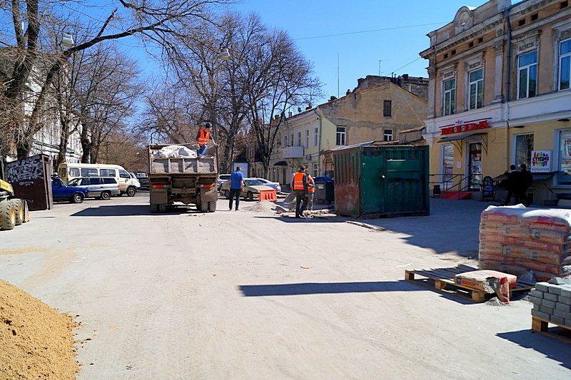 Одесситы превратили отремонтированную площадь в парковку (ВИДЕО, ФОТО), фото-13