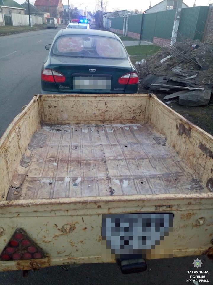 В Кременчуге водитель Ланоса выгрузил мусор прямо на улице (ФОТО), фото-1