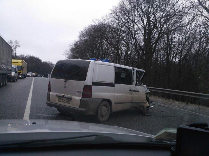 На об'їзній дорозі Львова сталася потрійна ДТП: є постраждалі (ФОТО), фото-2