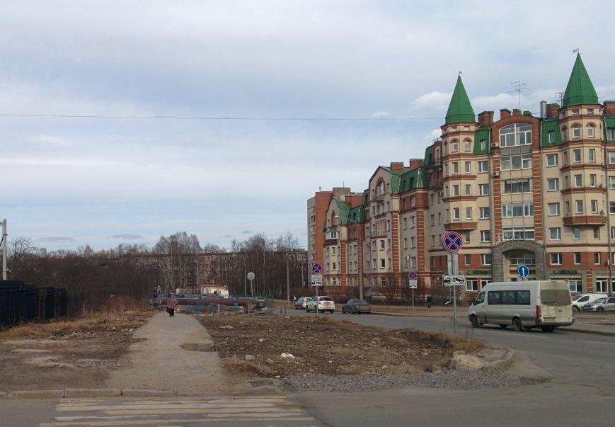угол Школьной и бульвара Толстого в сторону Хазова