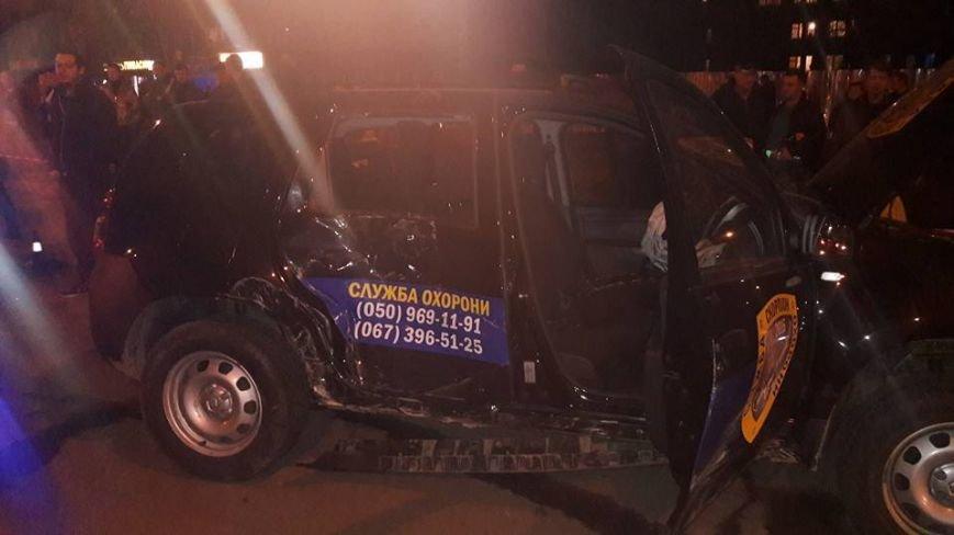 У Кременчуці на Молодіжному сталася масштабна ДТП: зіткнулося 4 автівки, є постраждалі (ВІДЕО), фото-5