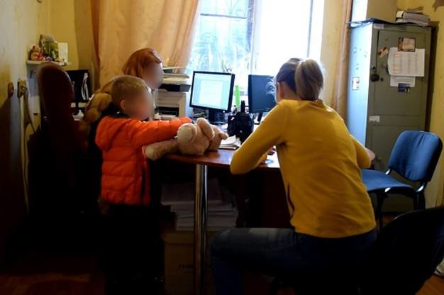 В Киеве мать избила ребенка до потери сознания (ФОТО), фото-1