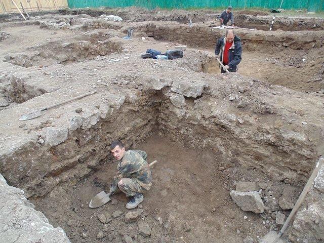 На вулиці П'ятницькій продовжуються розкопки, фото-2