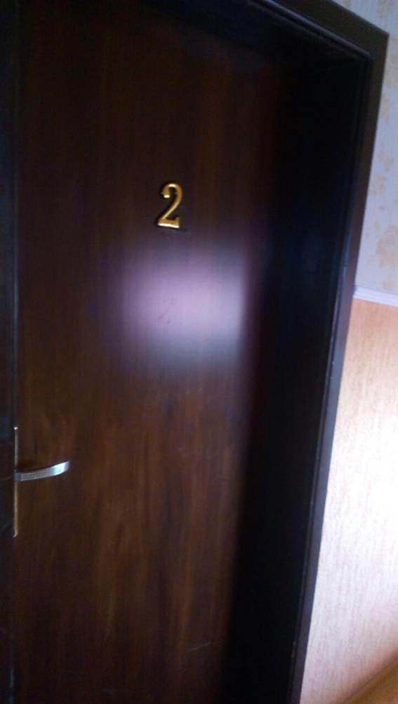 Поліція опублікувала фотографії затримання жінки-сутенера у готелі на Виноградівщині, фото-3