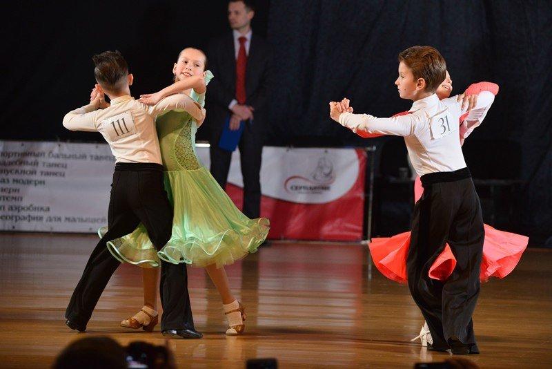 В Краматорске прошел турнир по спортивным бальным танцам «Кубок Серпантина 2017», фото-1