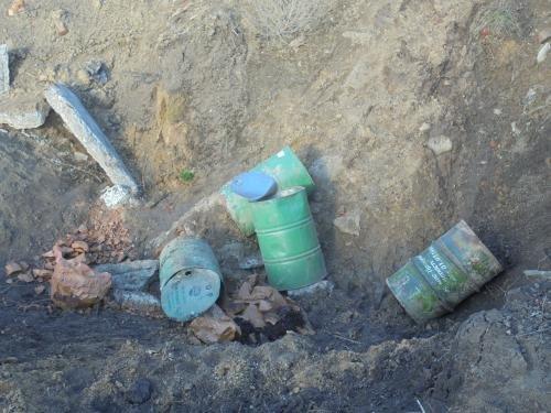 Бочки с опасными химикатами кто-то выбросил в Черниговской области, фото-2