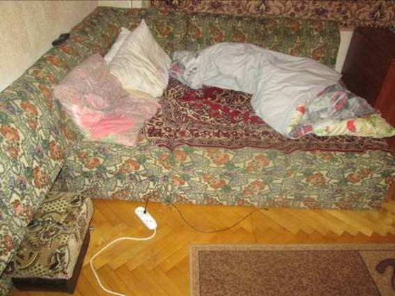 У Мукачеві бандити увірвалися у будинок, побили господарів і забрали телефони: фото, фото-1