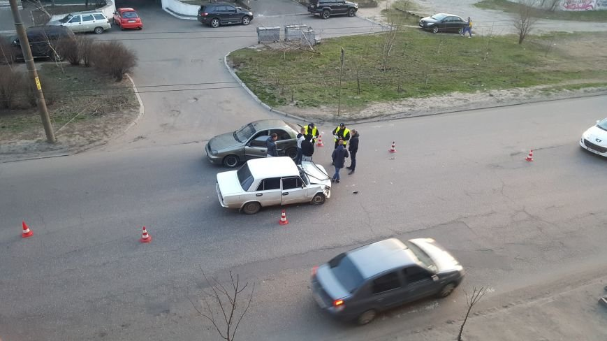 СЕЙЧАС! На левом берегу Днепра авария - движение затруднено (ФОТО), фото-1