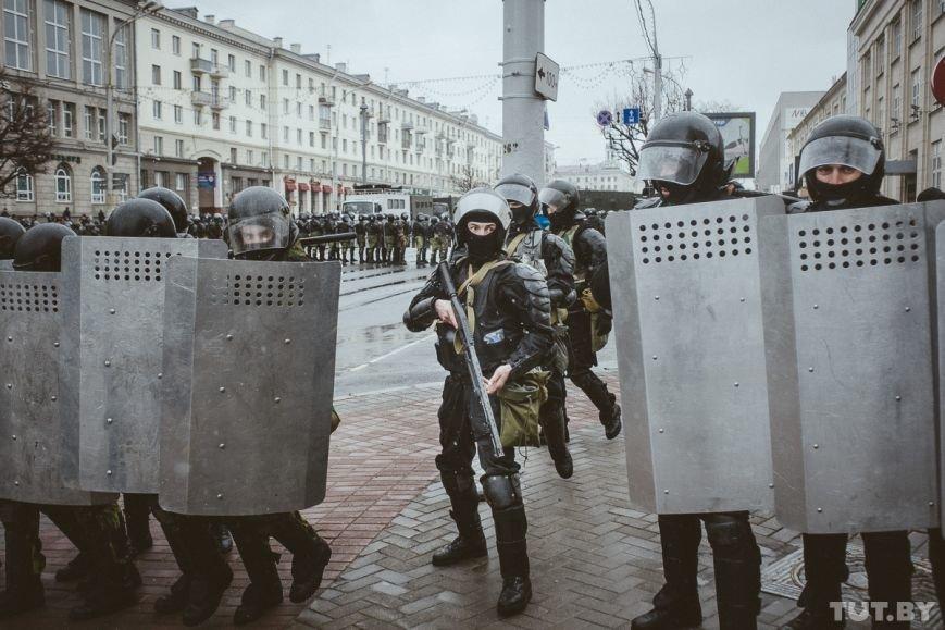 ЕС о ситуации в Минске: Все задержанные мирные граждане должны быть немедленно освобождены, фото-2