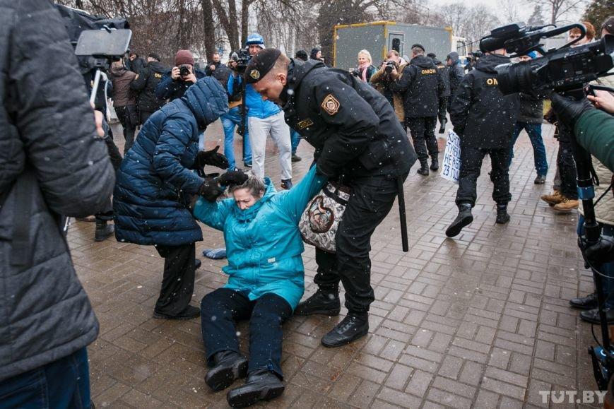 ЕС о ситуации в Минске: Все задержанные мирные граждане должны быть немедленно освобождены, фото-3