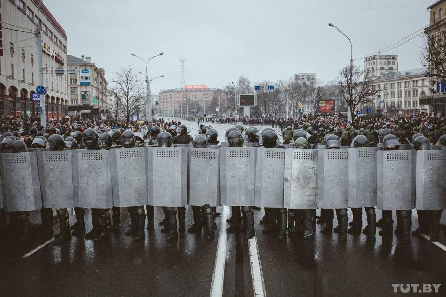 ЕС о ситуации в Минске: Все задержанные мирные граждане должны быть немедленно освобождены, фото-1