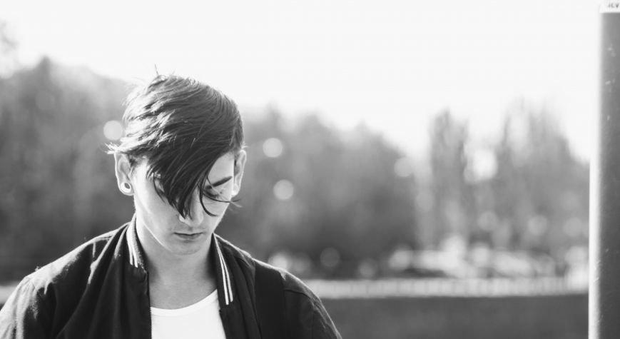 Вуличний музикант Вова Демчук розповів про гру на гітарі, рідний Луганськ та життя в Ужгороді: фото, фото-7