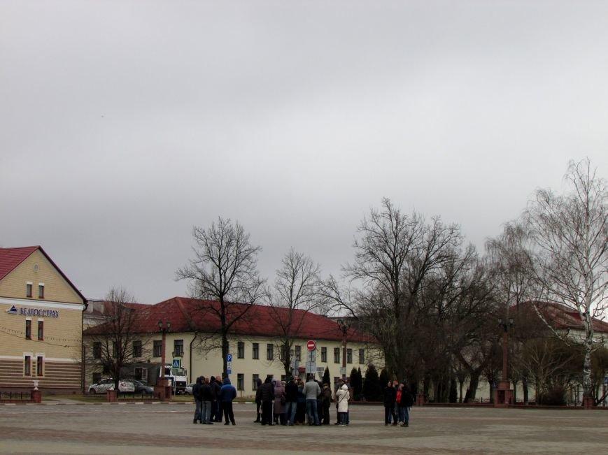 """В Полоцке несколько десятков человек митинговали против декрета """"о тунеядцах"""", фото-2"""
