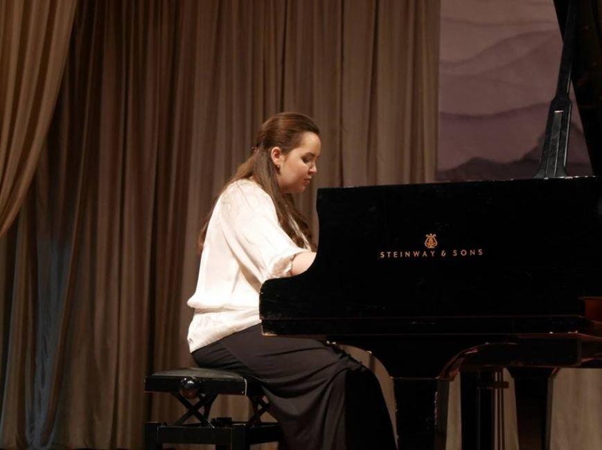 В Ужгороді змагалися піаністи з України, Словаччини, Угорщини та Німеччинни: фоторепортаж, фото-5