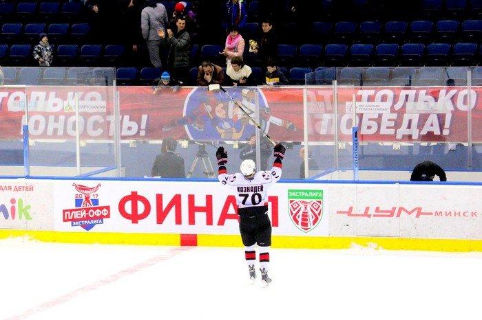 """Хоккейный """"Неман"""" второй раз победил """"Юность"""" в финальной серии Экстралиги, теперь команды переезжают в Гродно, фото-7"""