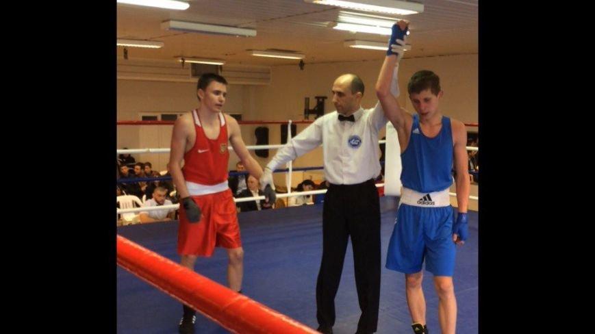 Боксер з Покровська Артем Демяненко завоював I місце на Чемпіонаті області з боксу, фото-2