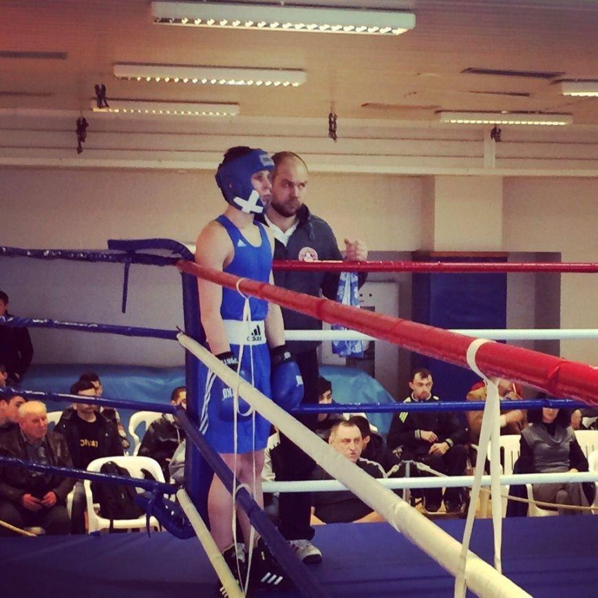 Боксер з Покровська Артем Демяненко завоював I місце на Чемпіонаті області з боксу, фото-1