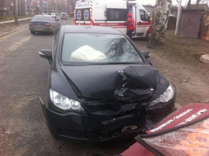 В Покровске лоб в лоб столкнулись два автомобиля: есть пострадавшие, фото-4