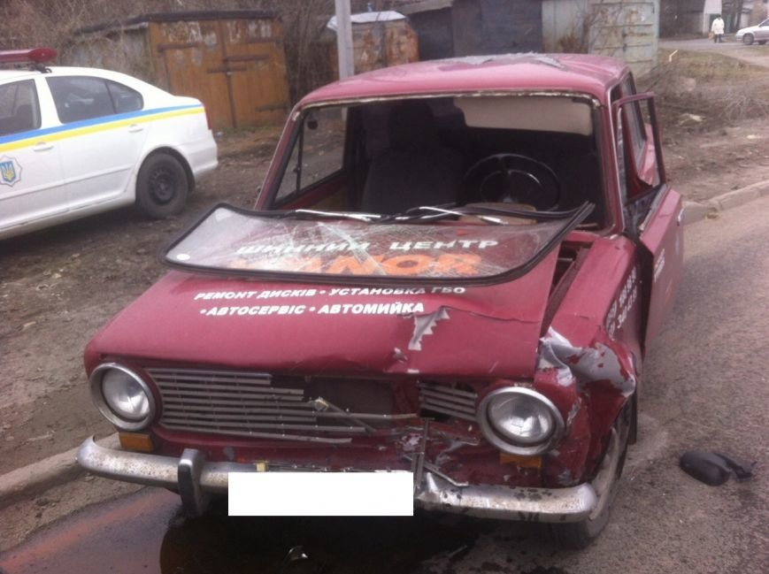 В Покровске лоб в лоб столкнулись два автомобиля: есть пострадавшие, фото-3