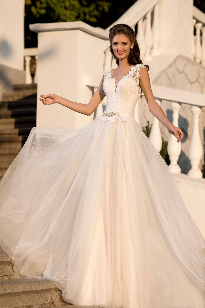 Де івано-франківські наречені можуть купити ексклюзивні сукні від ... 885a766d3e9f5