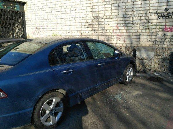 В Черноморске участились случаи краж из автотранспорта, фото-1