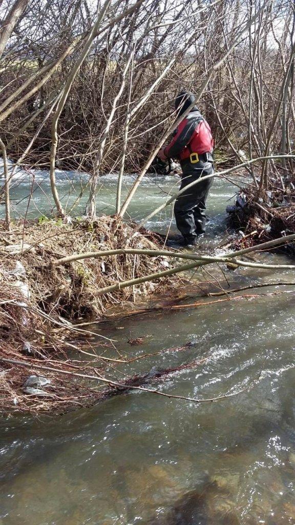 На Іршавщині знайшли тіло хлопчика, який втопився у річці: фото, фото-2