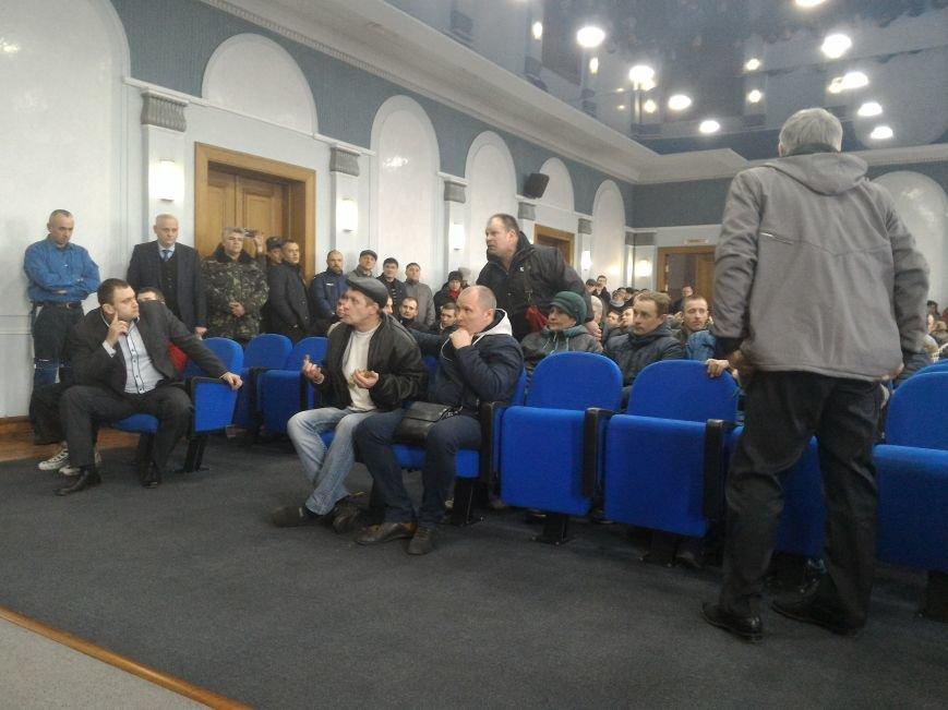 Рабочие ДМК вновь требовали у руководства выплатить зарплату, фото-11