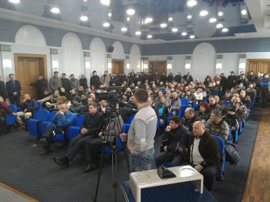 Рабочие ДМК вновь требовали у руководства выплатить зарплату, фото-14