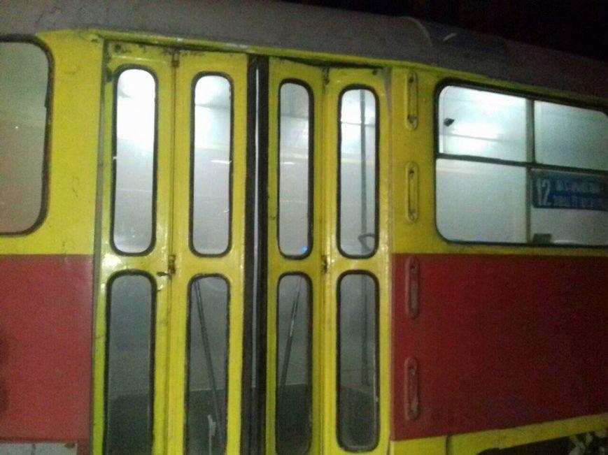 В Днепре на ходу загорелся трамвай (ФОТО), фото-1