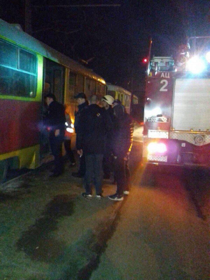 В Днепре на ходу загорелся трамвай (ФОТО), фото-2