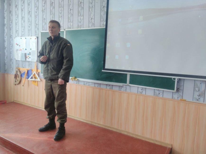 У ЗОШ №15 міста Покровськ відбулися урочистості до Дня Нацгвардії, фото-3