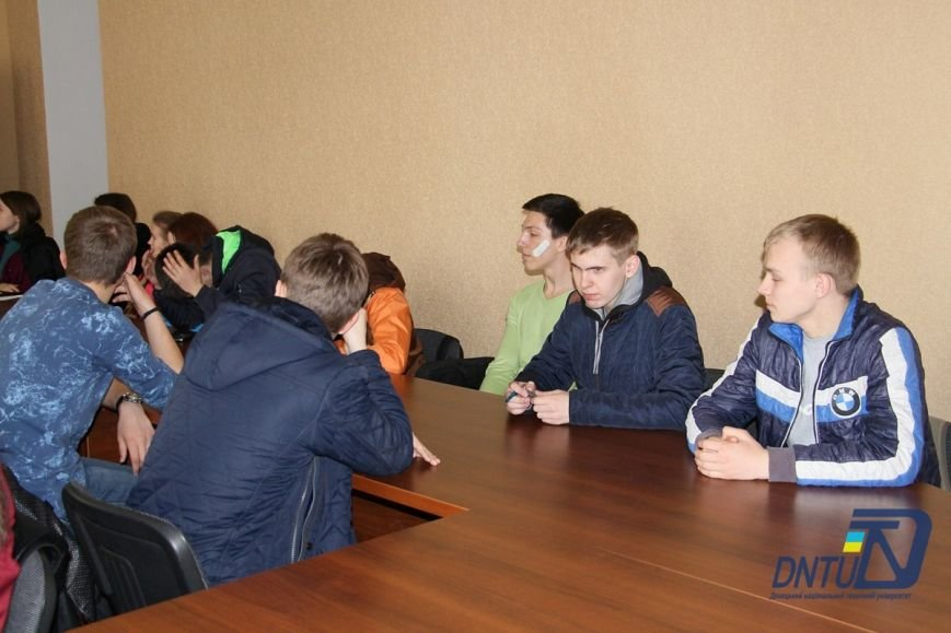 В Покровске студенты ДонНТУ пообщались с представителями областного правозащитного центра, фото-2