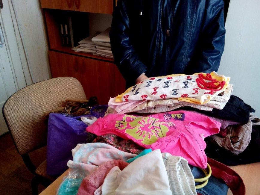 Киевские школьники собрали гуманитарную помощь своим сверстникам из Покровска, фото-2