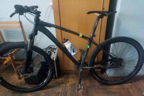 У Мукачеві 19-річний хлопець украв з гаража велосипед за 12 000 гривень: фото, фото-1