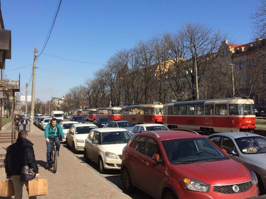 На Подоле герой парковки парализовал движение трамваев (ФОТО), фото-4