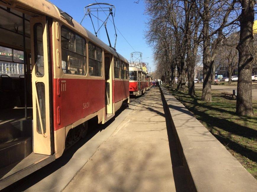 На Подоле герой парковки парализовал движение трамваев (ФОТО), фото-3