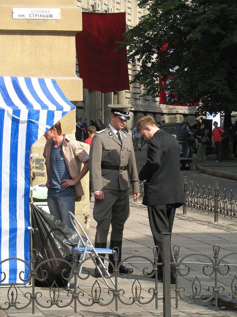 Film_set_of_-Hitler_Kaput!-_russian_movie