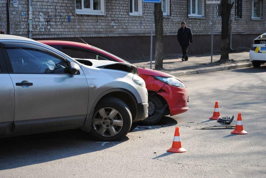 На злосчастном перекрёстке в центре города очередное ДТП (ФОТО), фото-6