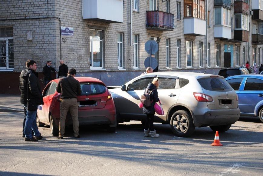 На злосчастном перекрёстке в центре города очередное ДТП (ФОТО), фото-1