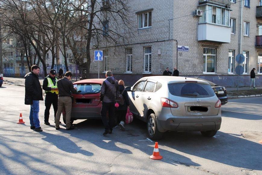 На злосчастном перекрёстке в центре города очередное ДТП (ФОТО), фото-2