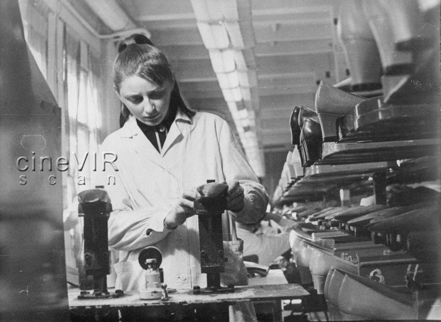 """Ужгородець у соцмережі опублікував світлини """"чорно-білого"""" життя міста 40 років тому, фото-13"""