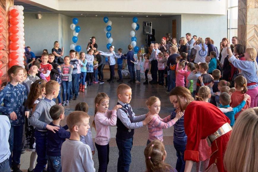 В Белгороде прошёл благотворительный концерт «Алые паруса», фото-1