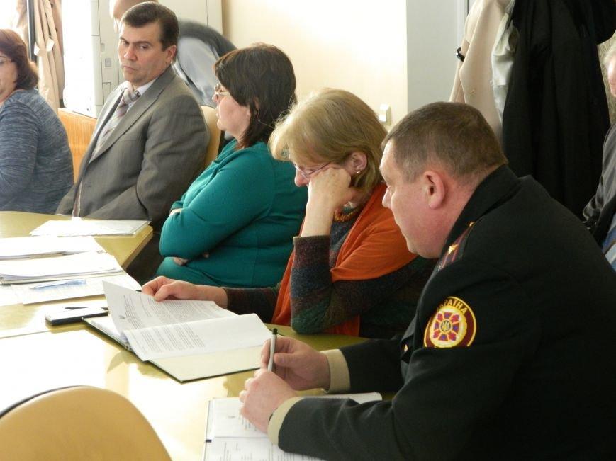 О чем говорили на комиссии по вопросам депутатской деятельности, законности, правопорядка и социальной защиты, фото-1